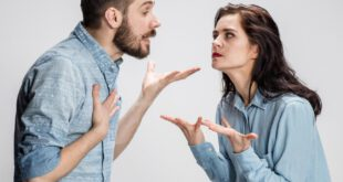 شوهرم مدام به من می گوید که تو نمیفهمی و نظر نده!
