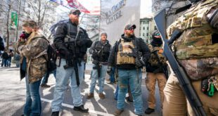 سفیدپوستان مسلح چالش اصلی بایدن!
