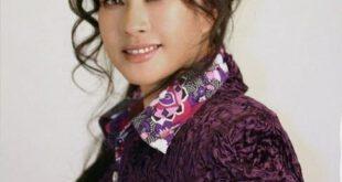 خانم Liu Xiaoqing از بازیگران سرشناس سینمای چین است، که در ۳۰ اکتبر ۱۹۵۵ در شهر فیولینگ این کشور به دنیا امده...