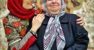 تصویری جالب از فریبا کوثری بازیگر سرشناس کشورمان در کنار مادرش؛ وی متولد یکم آذر ماه سال ۱۳۴۵ در زاهدان بوده و...