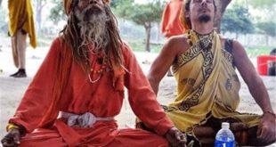 ویدئویی جالب از مرتاض هندی در کانال های اجتماعی دست به دست می شود که وی مقابل قطار در حال حرکت می ایستد و سعی...