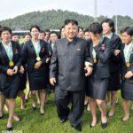 """۲۰۰۰ دختر """"گروه لذت"""" در اختیار رهبر کره شمالی"""