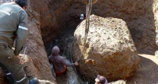 محققان موفق به کشف یک شهاب سنگ بزرگ با وزن تقریبی ۳۰ تن در شمال کشور ارژانتین شده اند ... بر اساس گزارش شینه...